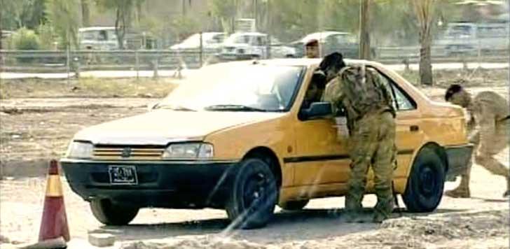 Irakisk dokusåpa skojar om bilbomber (bild från video).